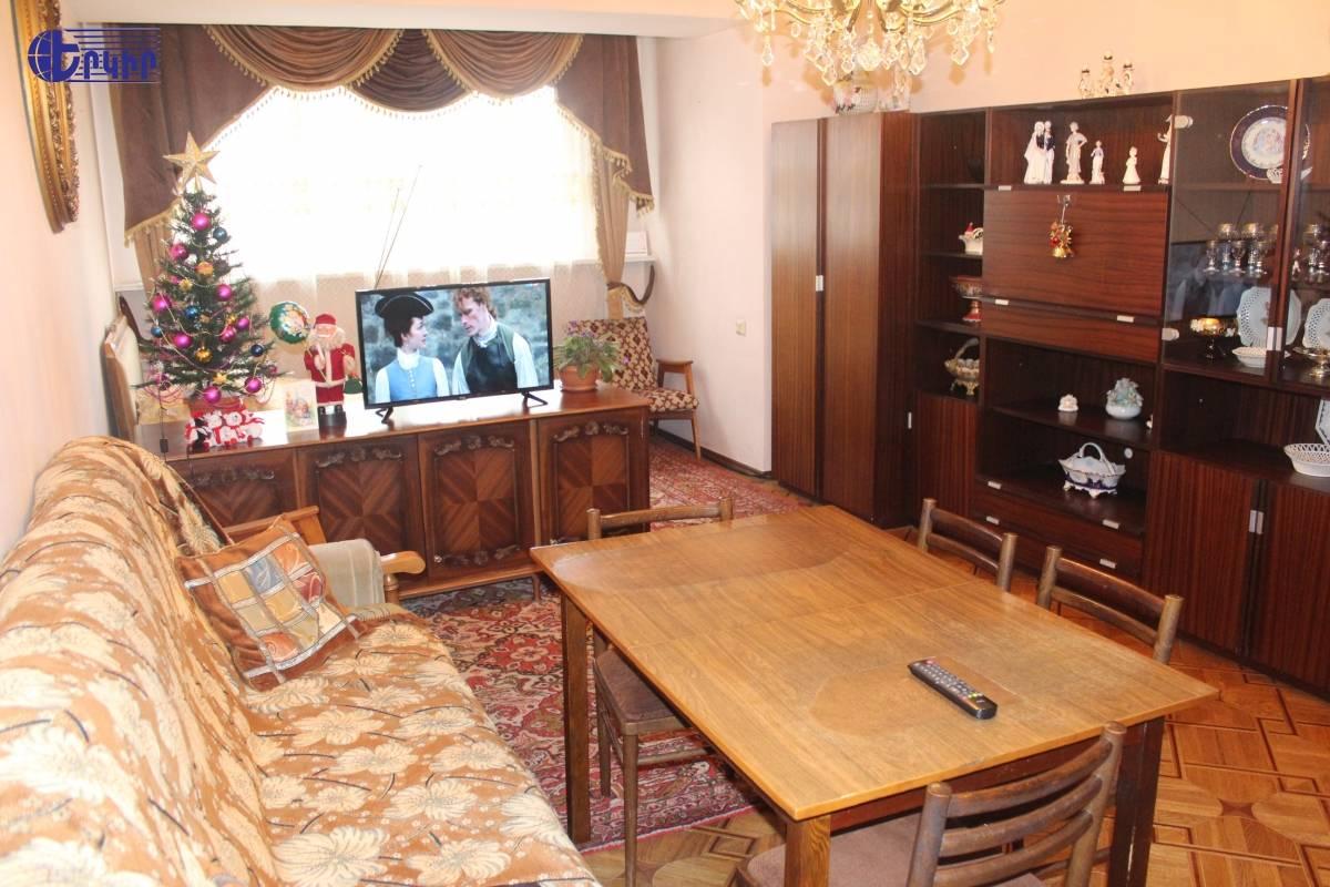 apartment-370812