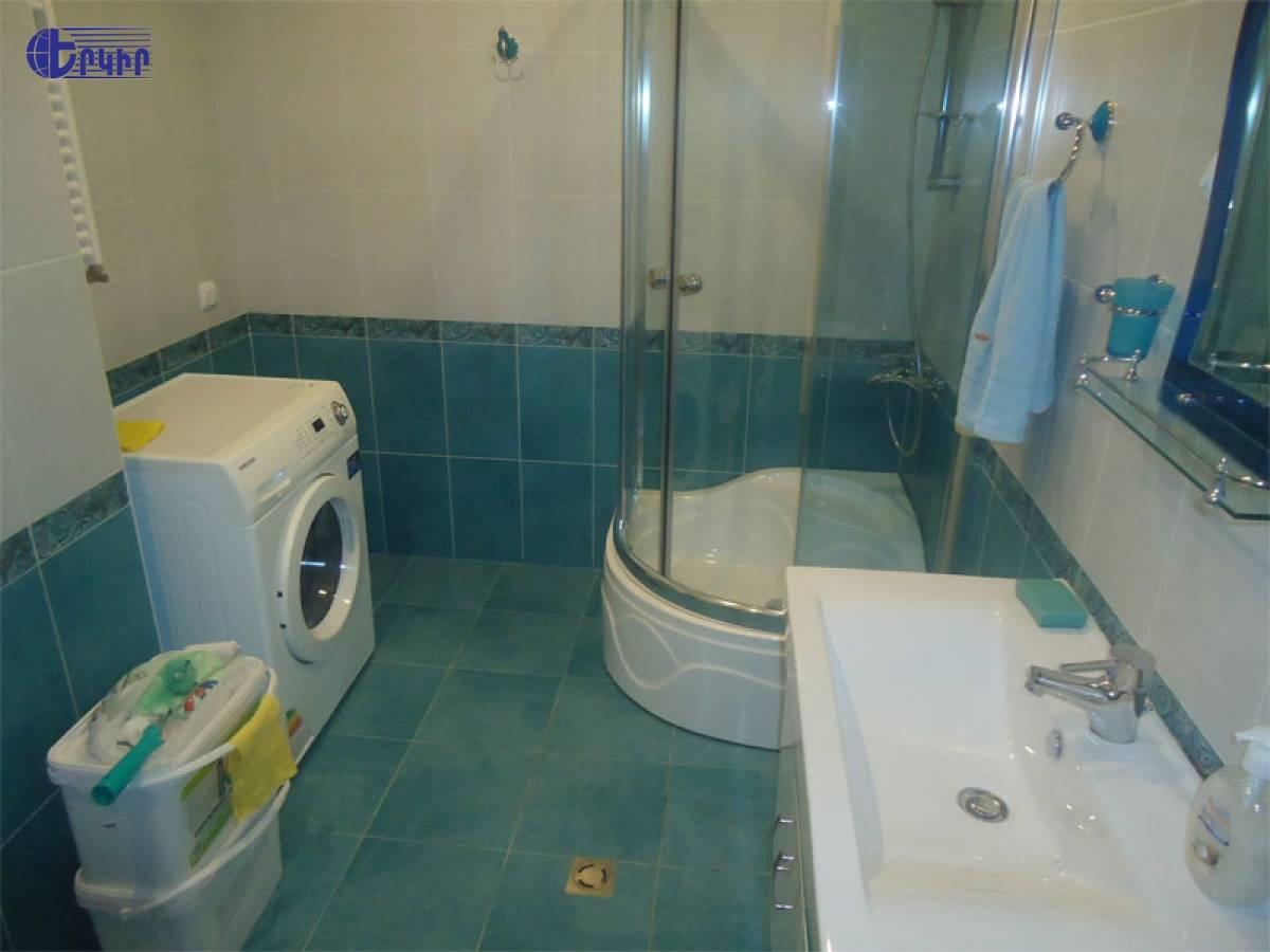 apartment-56384