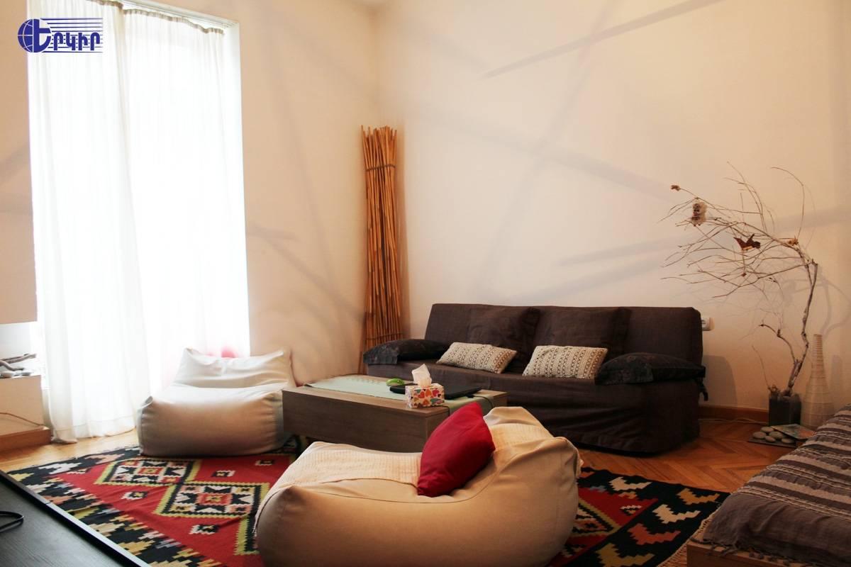 apartment-68792