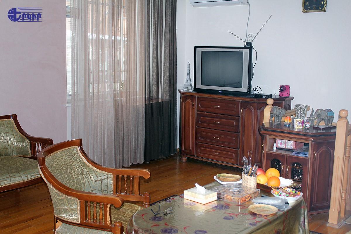 apartment-493918