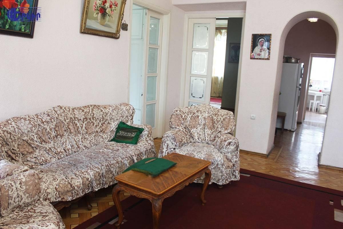 apartment-394814