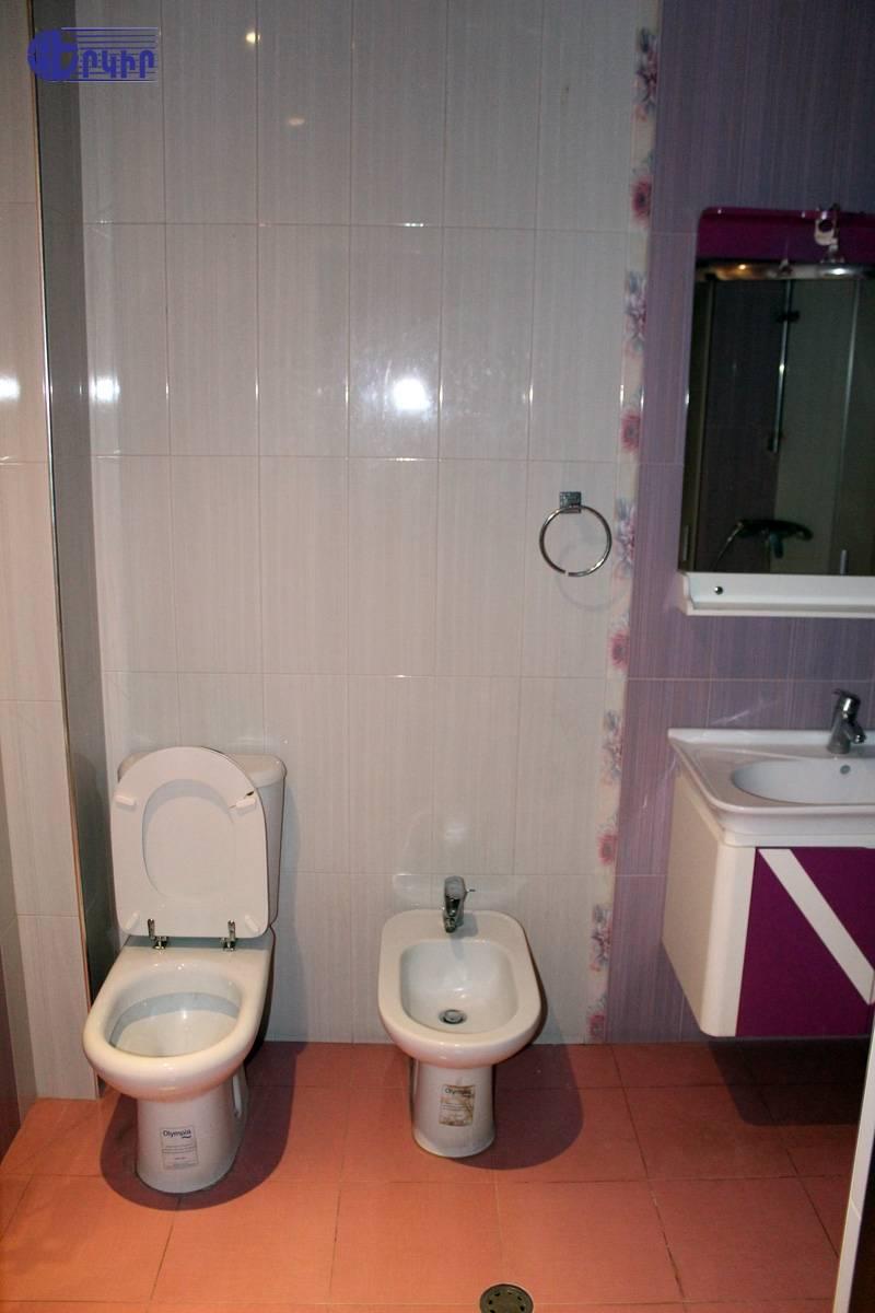 apartment-257552