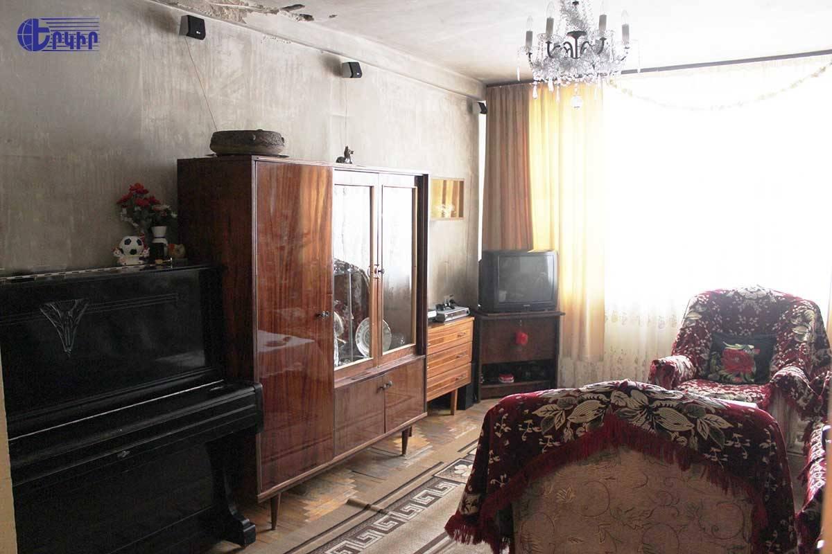 apartment-3931