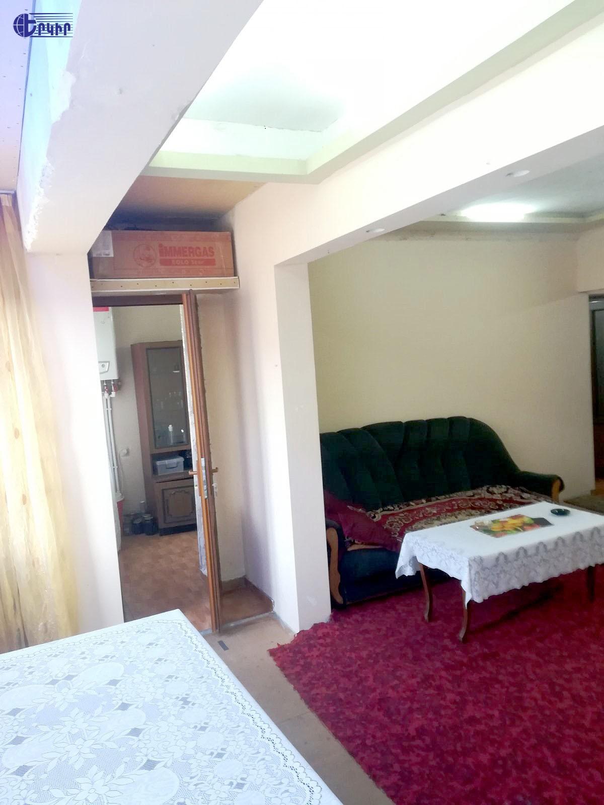 apartment-490197